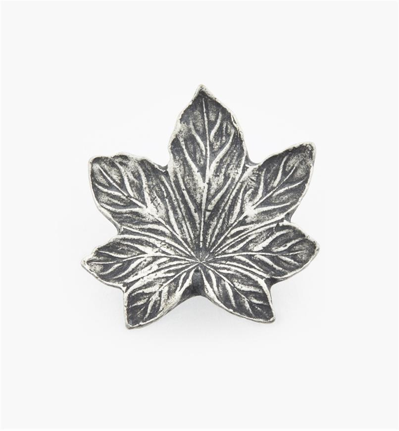 "01W4053 - 1 3/8"" (1/2"") Maple Leaf Knob"