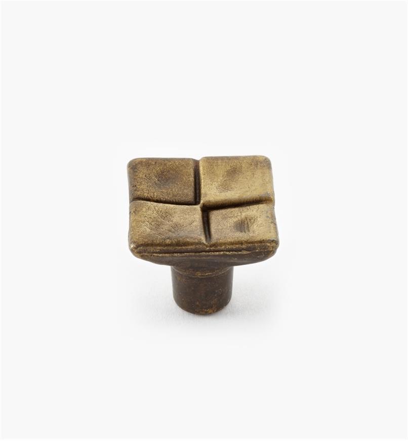 01W0930 - Bilbao Series – 20mm Old Brass Knob