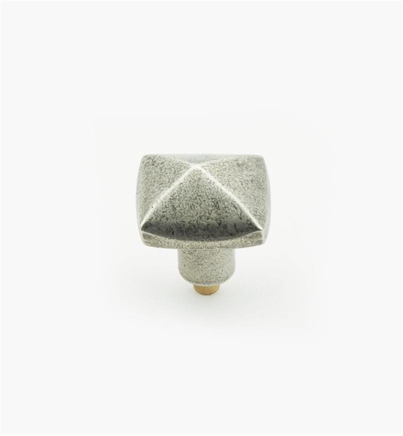 01W4085 - Bouton pyramide de 1po x 1po, en étain