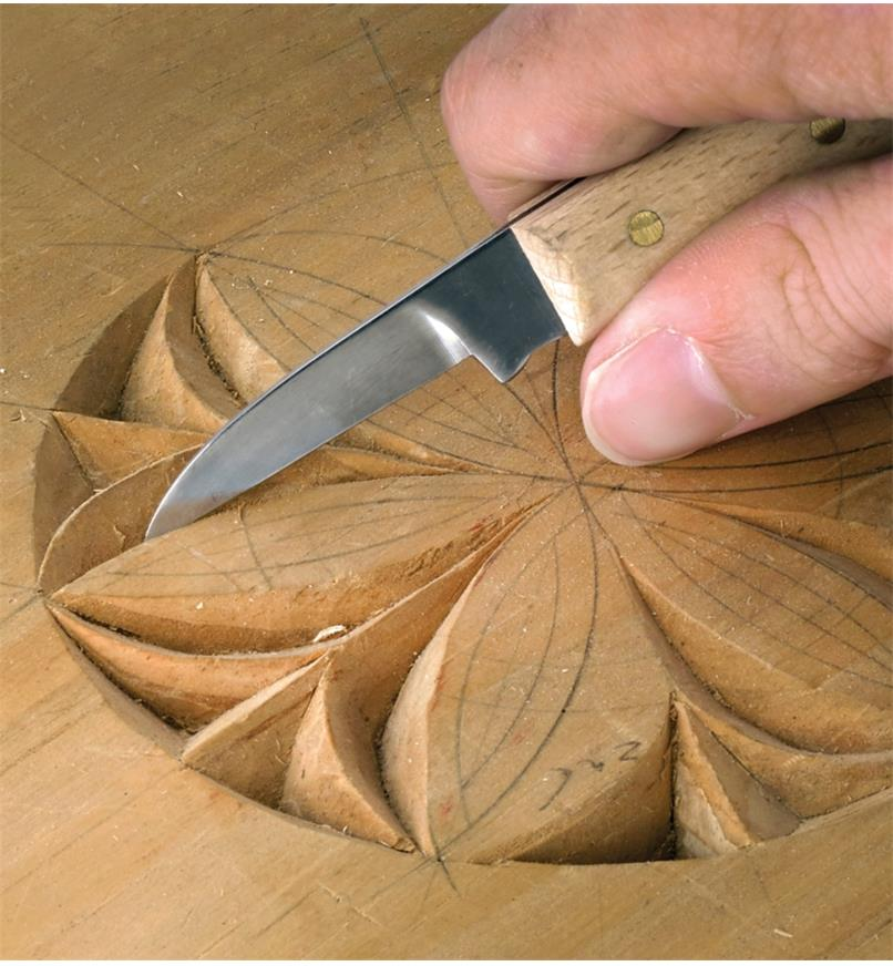 Carving a flower design with the Chip Knife #8