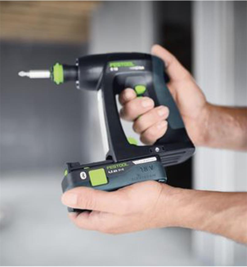 Installing the HighPower BP 18 Li 4.0 battery on the Festool C 18 Cordless Drill