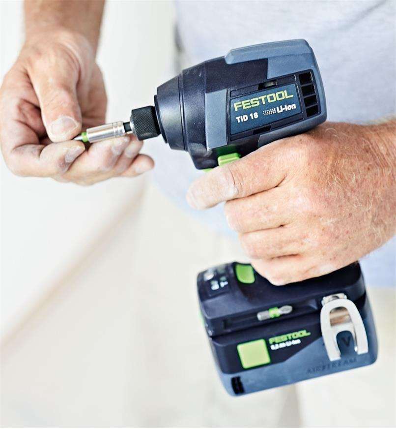 Installing a bit into the Festool TID 18 Cordless Impact Screwdriver