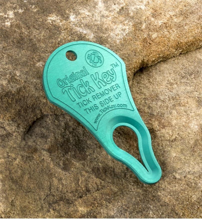 AB714 - Tick Key Tick Remover