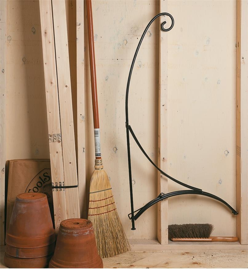 PD256 - Shepherd's Hook Stand