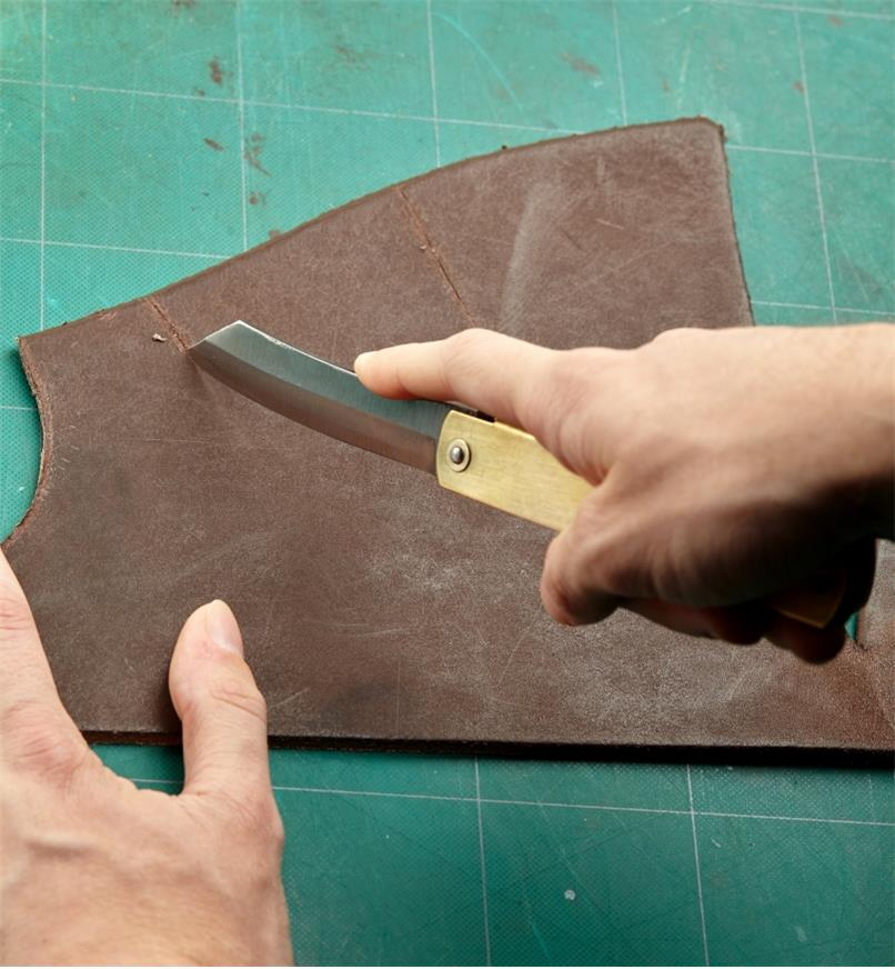 Using a Japanese Carpenter's Knife to cut leather