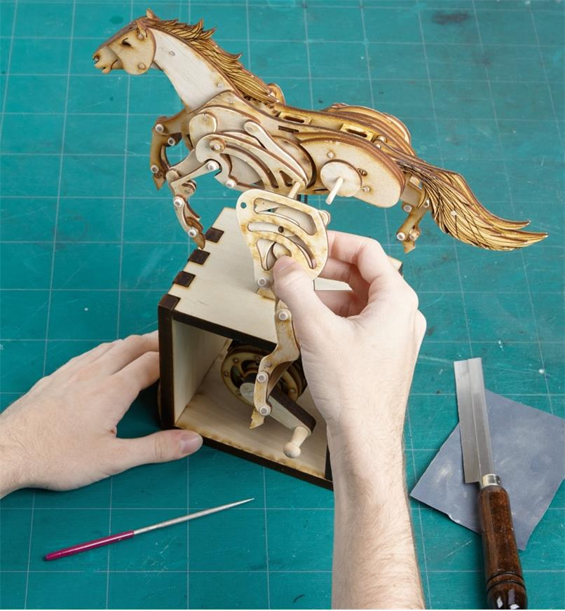 45K3998 - Animated Horse Model Kit