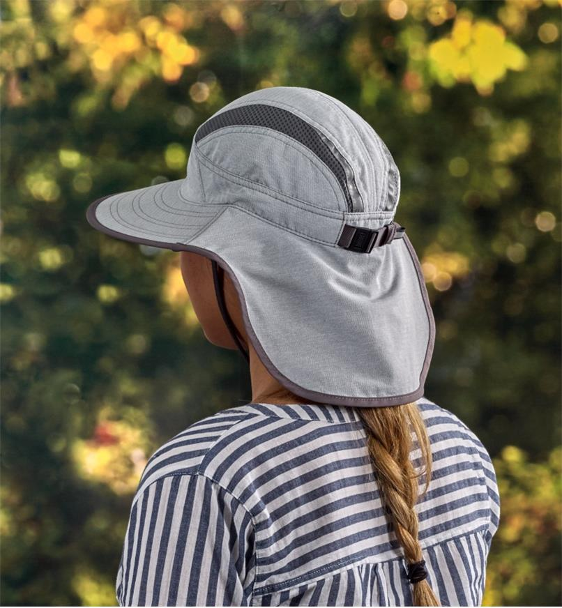 HL446 - Med Light Gray Ultra Adventure Hat