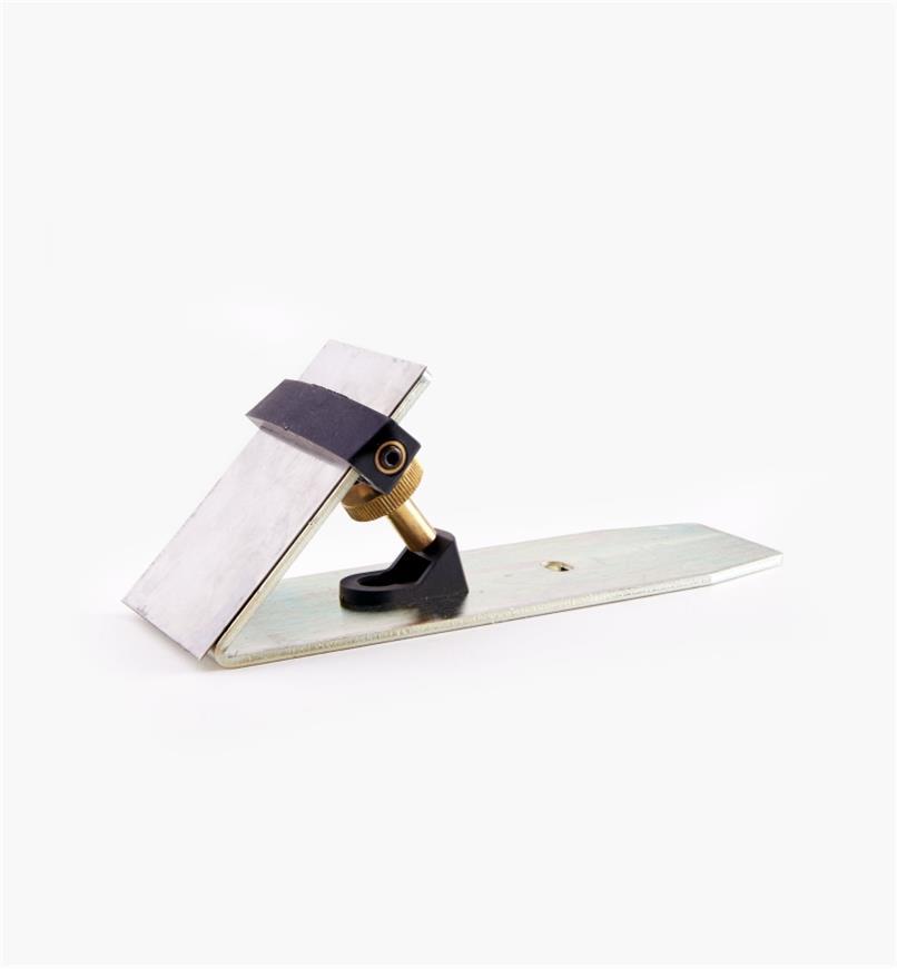 05P0601 - Dispositif de raclage pour rabot standard