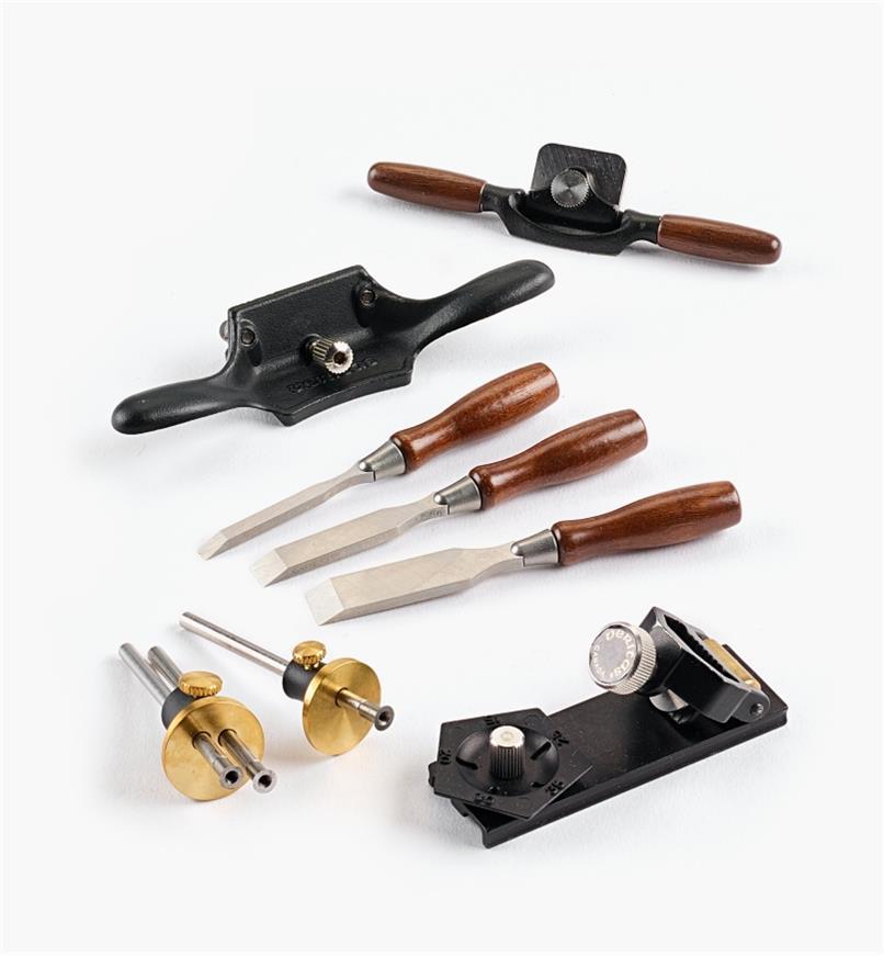 05P8272 - Ensemble de 5 outils miniatures Veritas (vastringue, ciseaux à bois, racloir d'ébéniste, trusquins à roulette, guide d'affûtage)