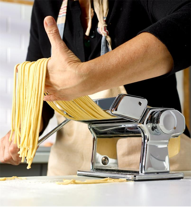 Making fresh bigoli noodles using a Marcato pasta machine with the bigoli cutter attachment