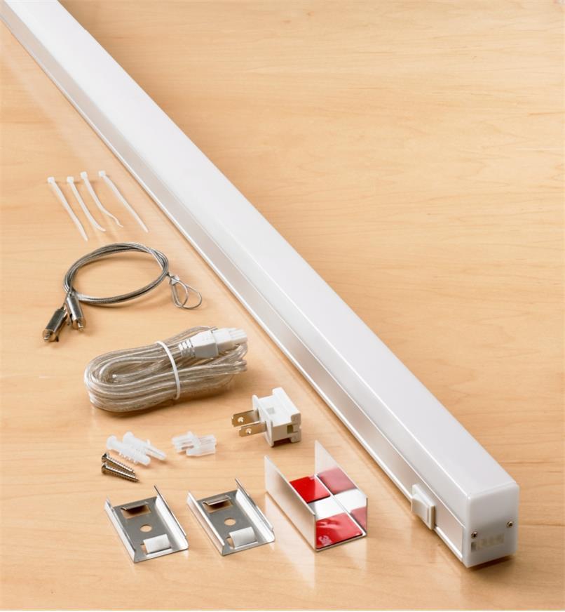 99W7681 - SlimLight LED Fixture, 4'