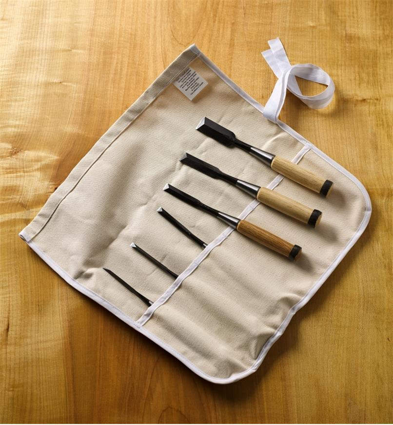 60S1350 - Set of 6 Japanese Dovetail Chisels & Tool Roll