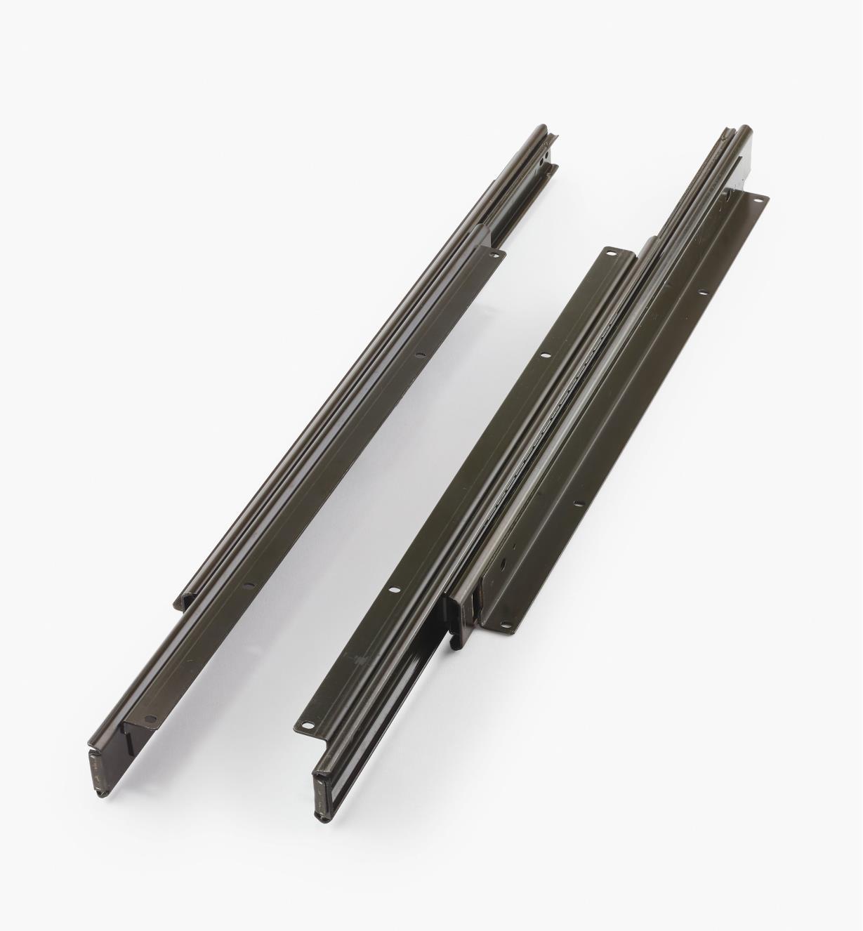 02K4518 - Coulisses de meuble audio-vidéo pour charge de 130lb –18po, la paire