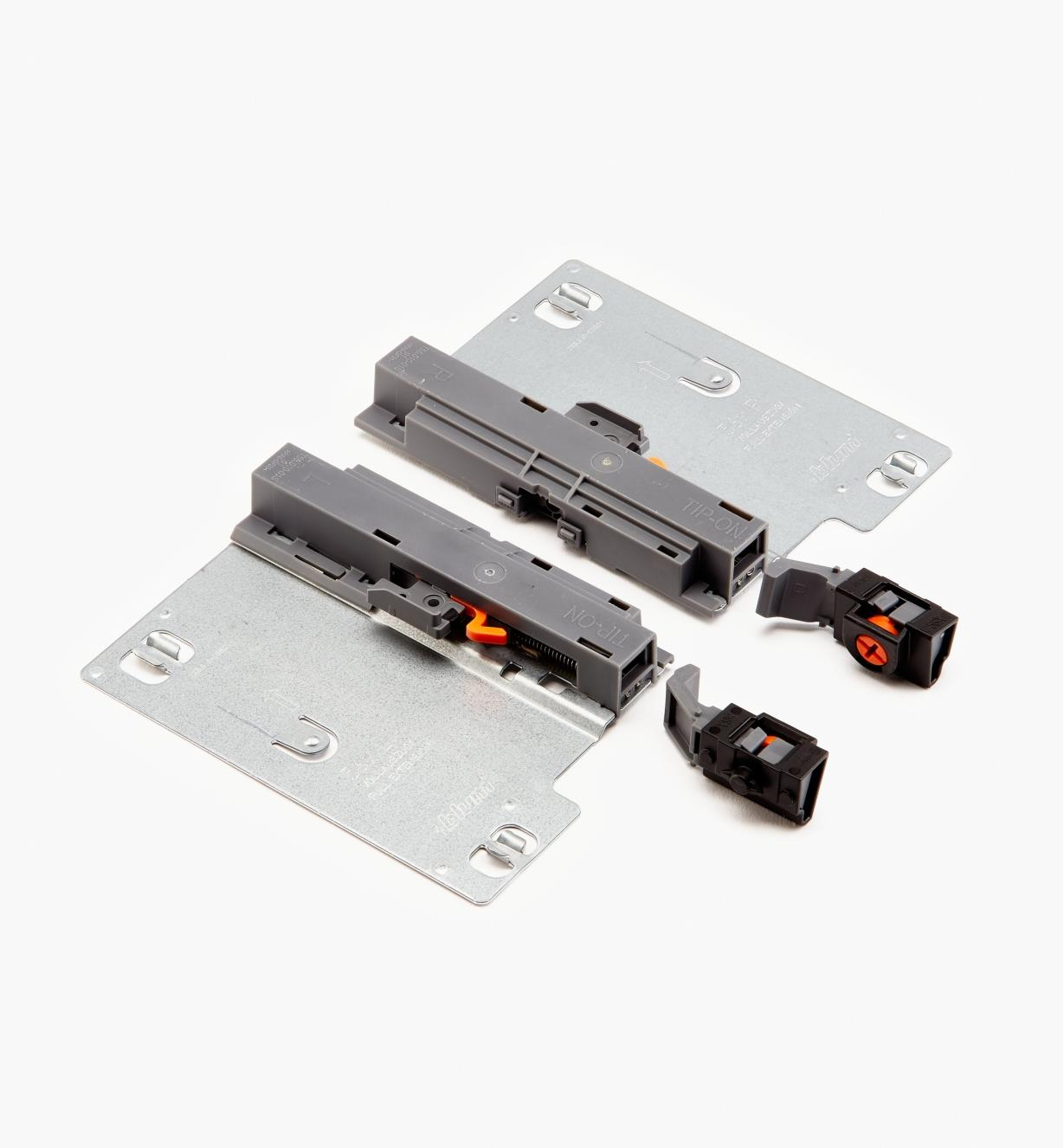 02K6190 - L&R Blum Tip-On Mechanisms, pr.