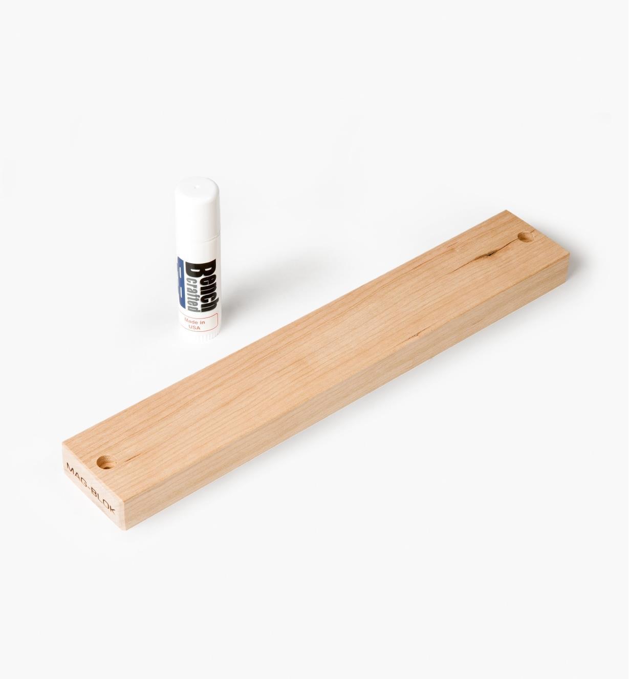 12K1890 - Porte-outils magnétique en cerisier de 12po