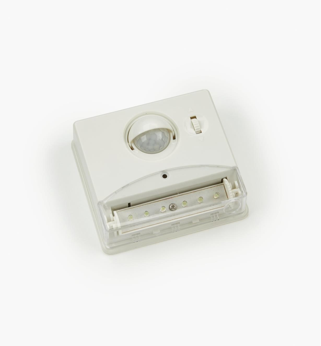 09A0602 - Controlled Beam PIR Light