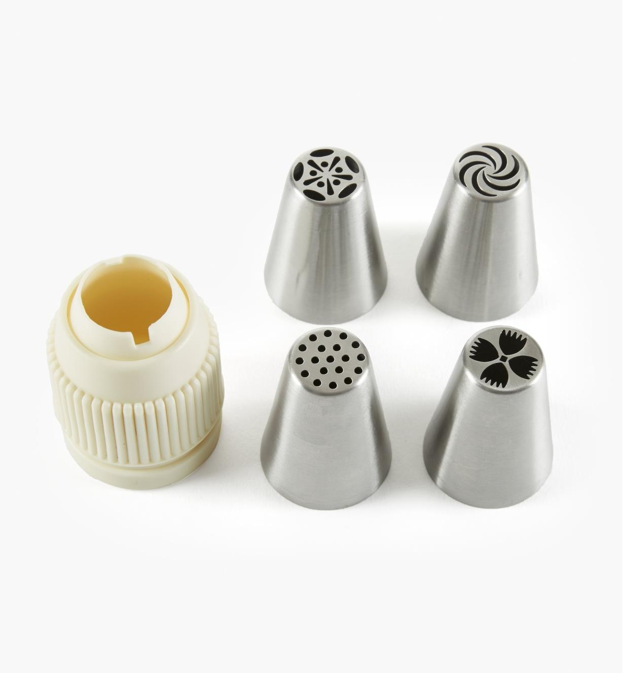 EV710 - 4 Medium Decorative Piping Tips & Coupler