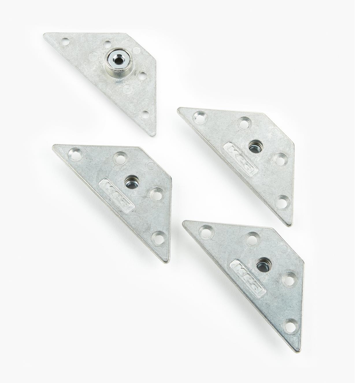 00H3351 - Plaques de fixation triangulaires pour pattes de meuble, le paquet de 4