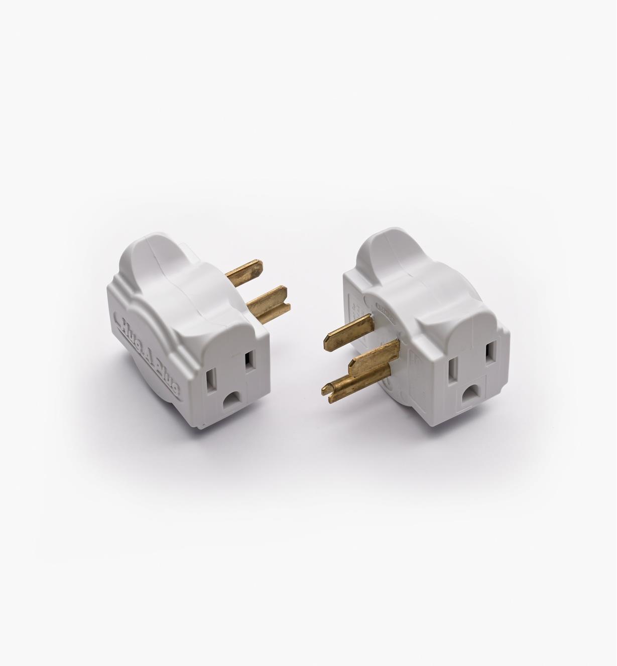 09A0850 - Adaptateurs de prise minces Hug-A-Plug, blanc, la paire