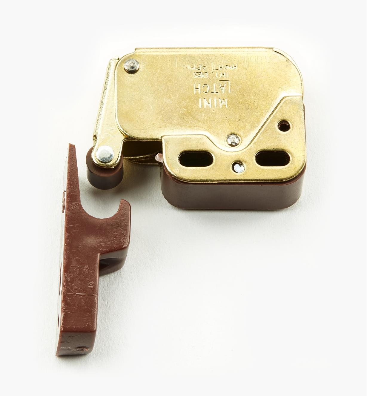 01L0101 - Brass/Brown Plate Mini-Latch