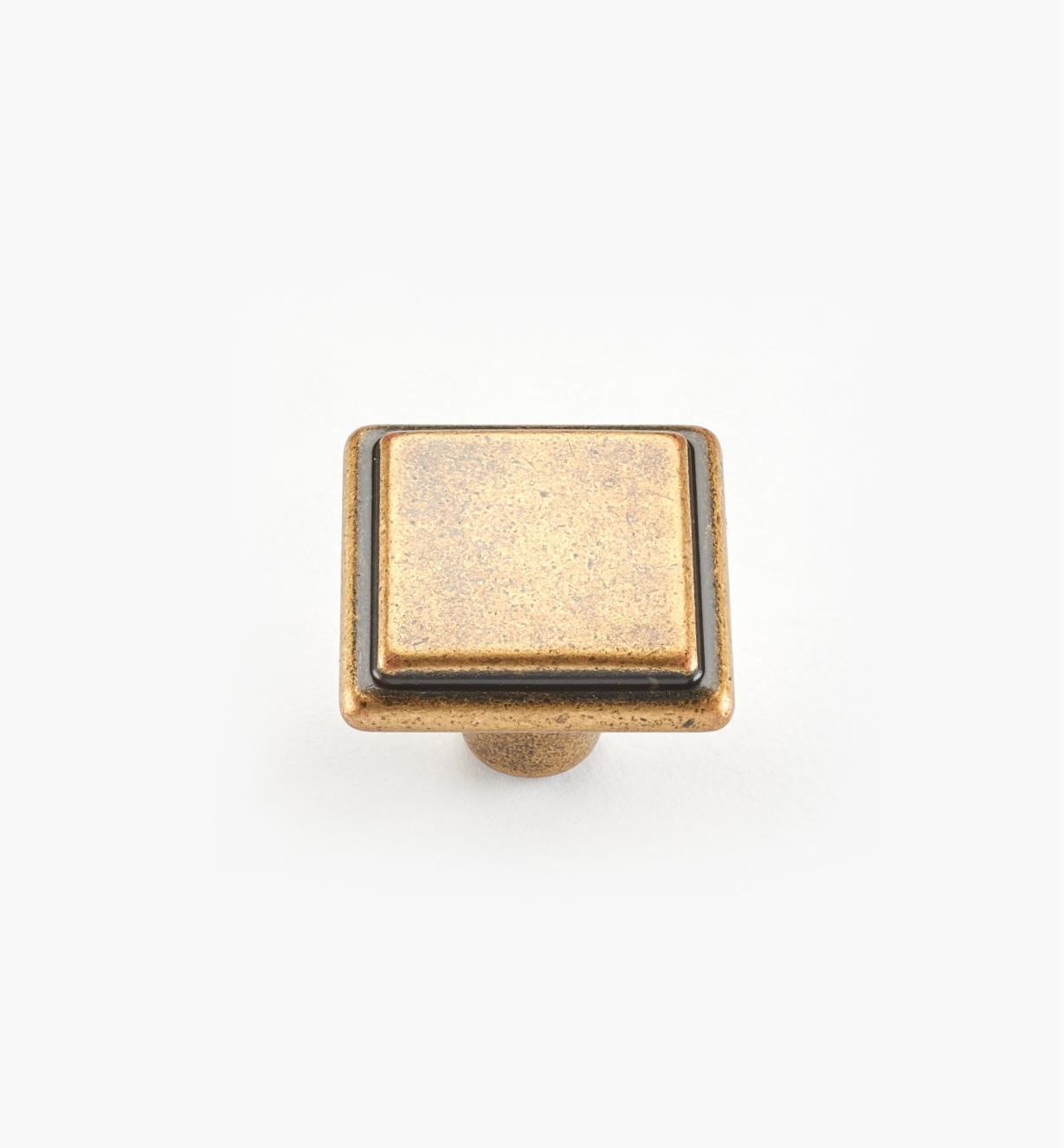 00A7010 - Alfonso Suite - 26mm x 20mm Antique Brass Knob