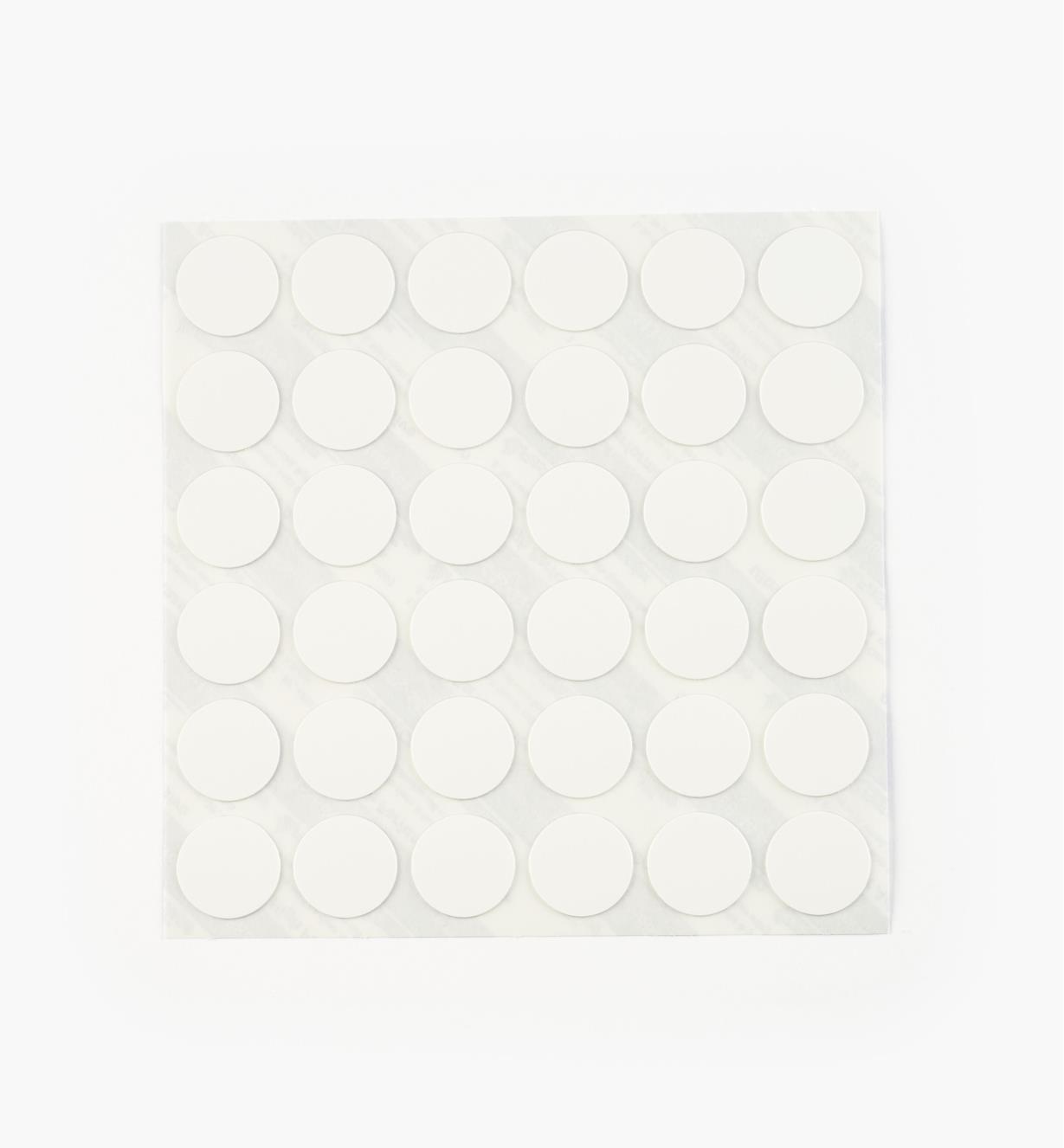 00S5311 - Cache-vis en PVC, blanc, 11/16 po, le paquet de 36