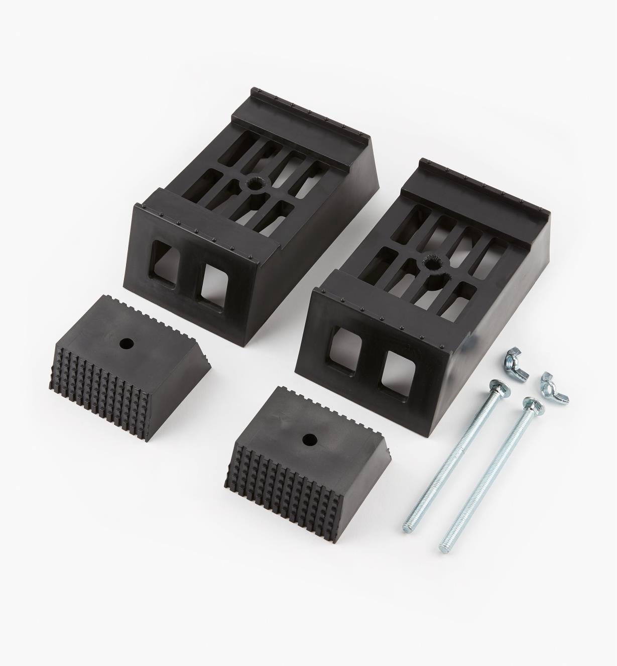 03K0608 - Fixations pour chevalet de sciage, la paire