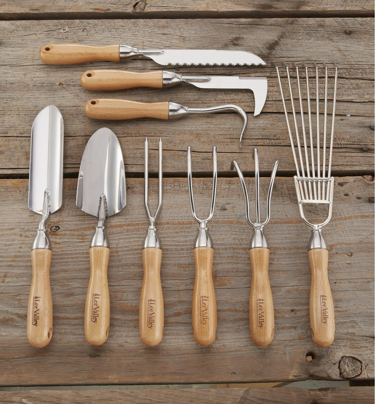 AB634 - Set of 9 Lee Valley Garden Tools