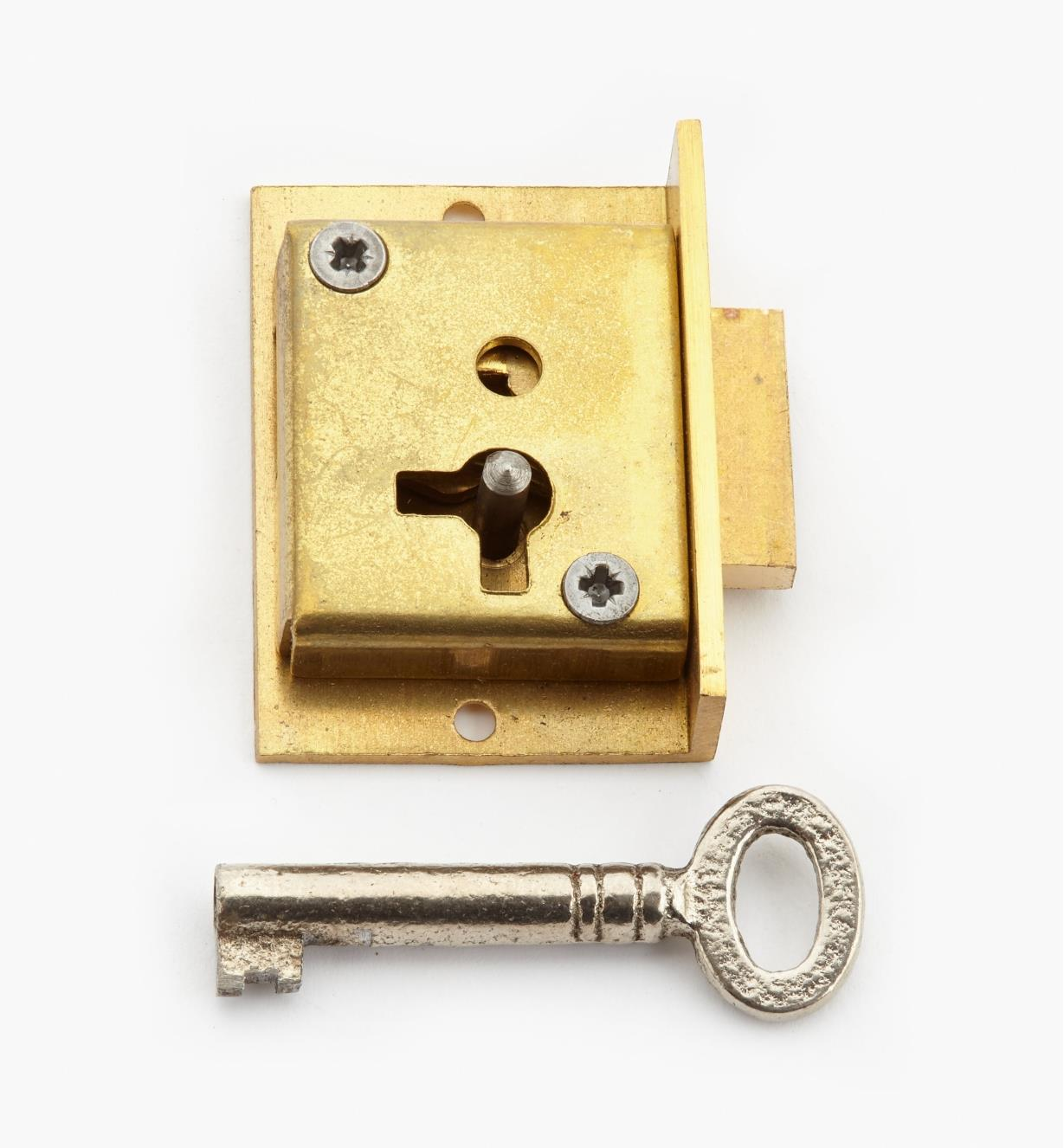 "00P2915 - 1 1/2"" Standard Cut Cupboard Lock (R)"