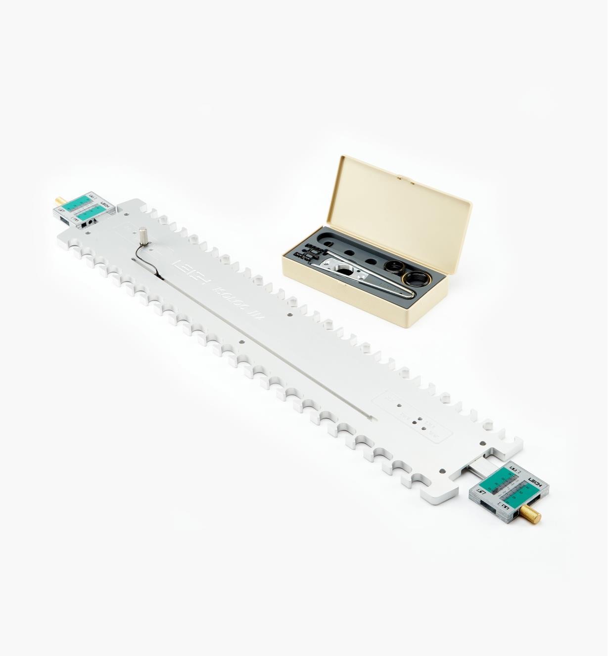 17N0235 - D4R Key & Mirror