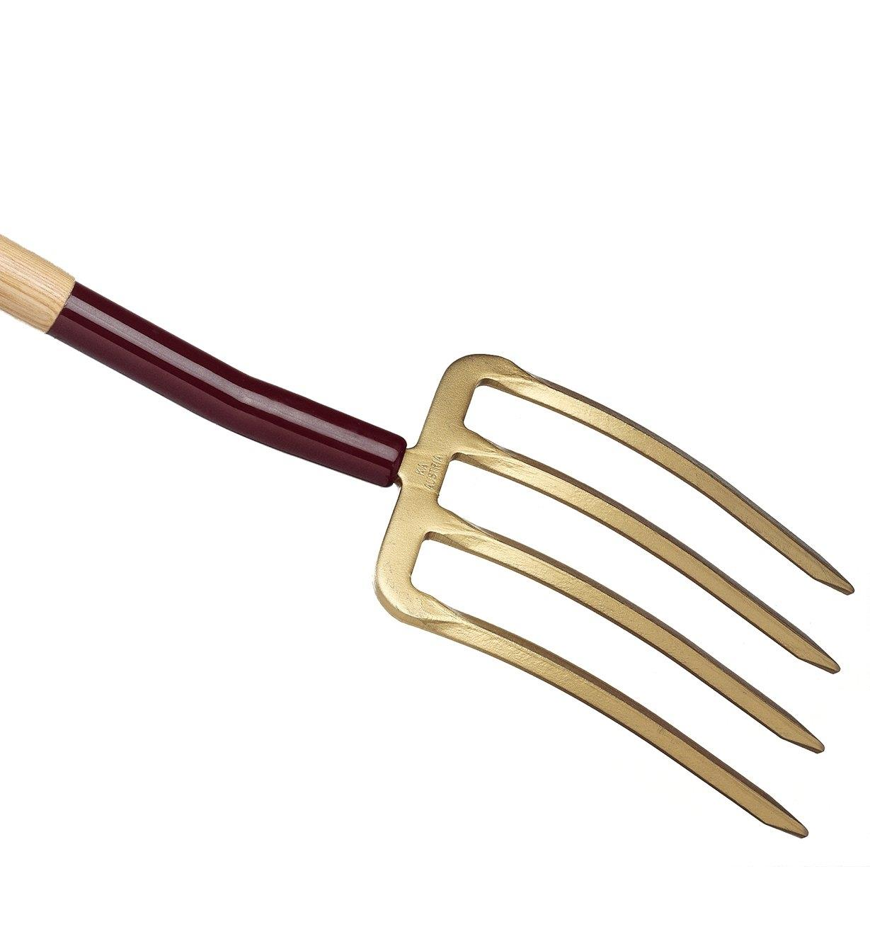 Close-up of back of Spading Fork head