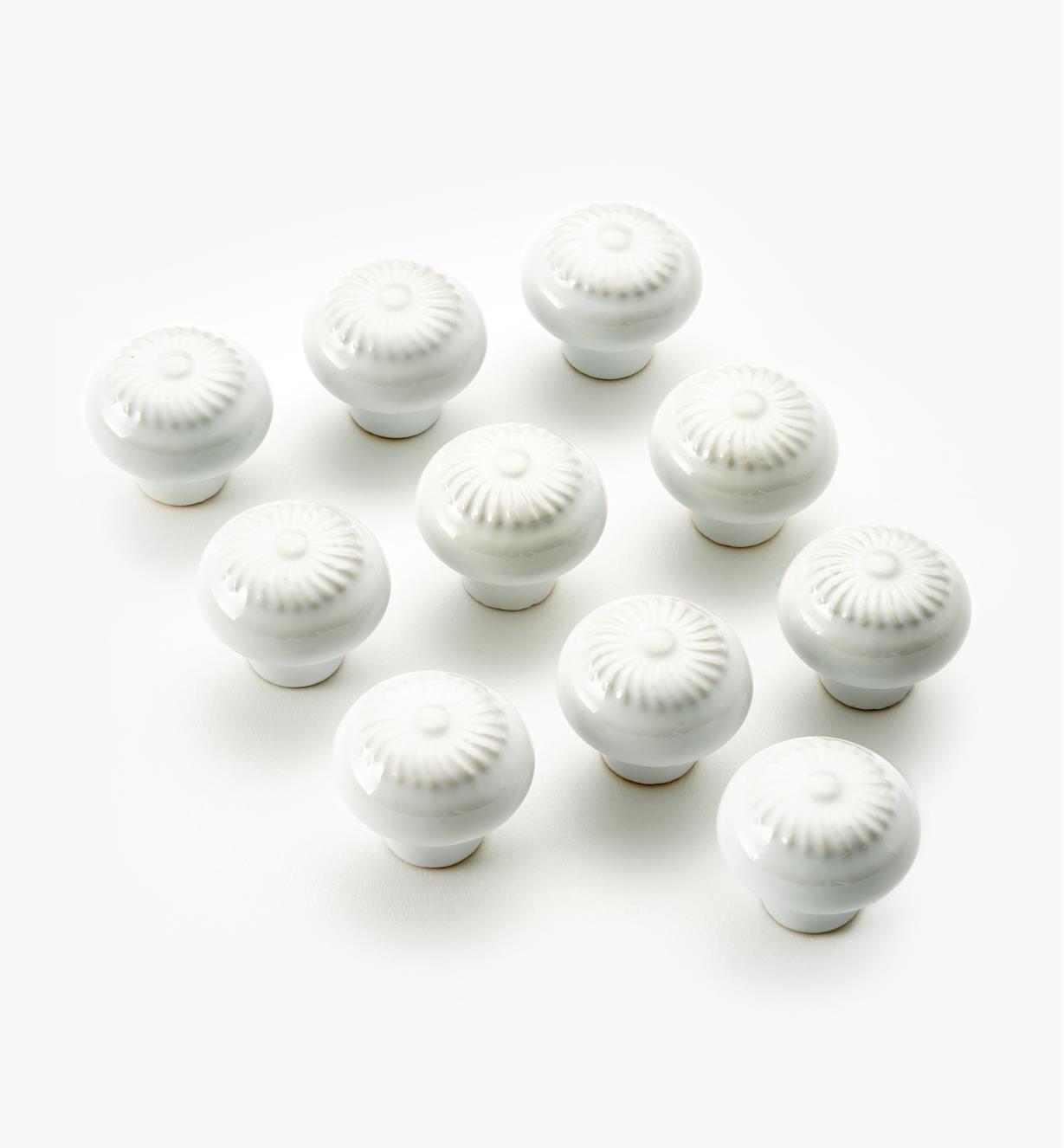 "03W1621 - 1 1/4"" × 1"" Ceramic Embossed Petal Knobs, pkg. of 10"