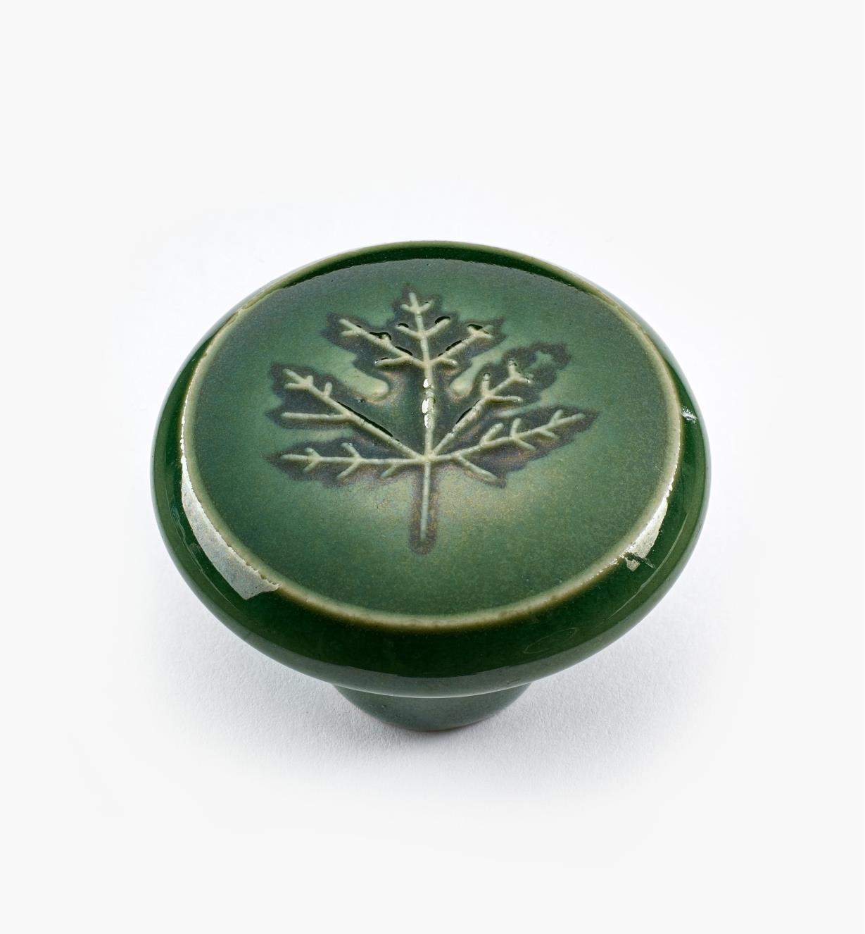 """02W1641 - 1 1/2"""" x 1"""" Rd. Green Leaf Knob"""