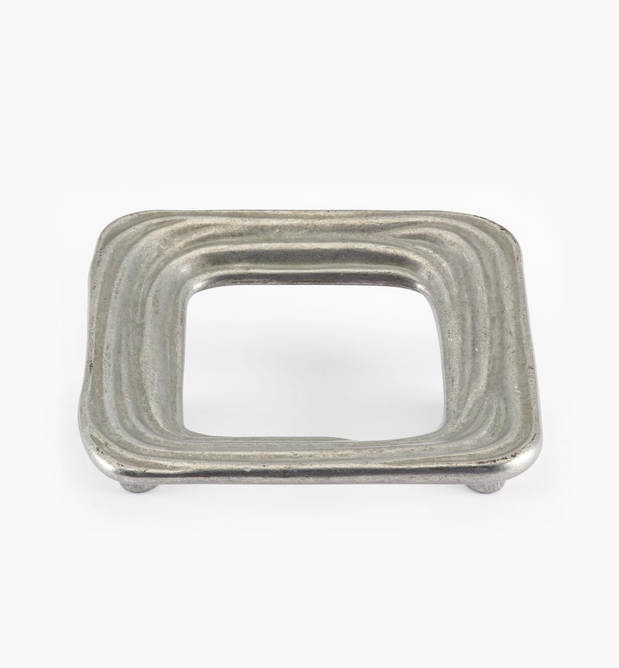 00A7407 - Poignée Oasis carrée, fini nickel poli au tonneau,64mm