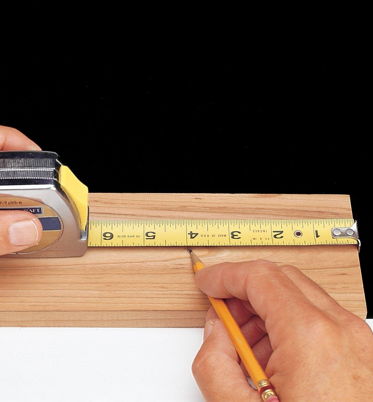 Standard tape measure