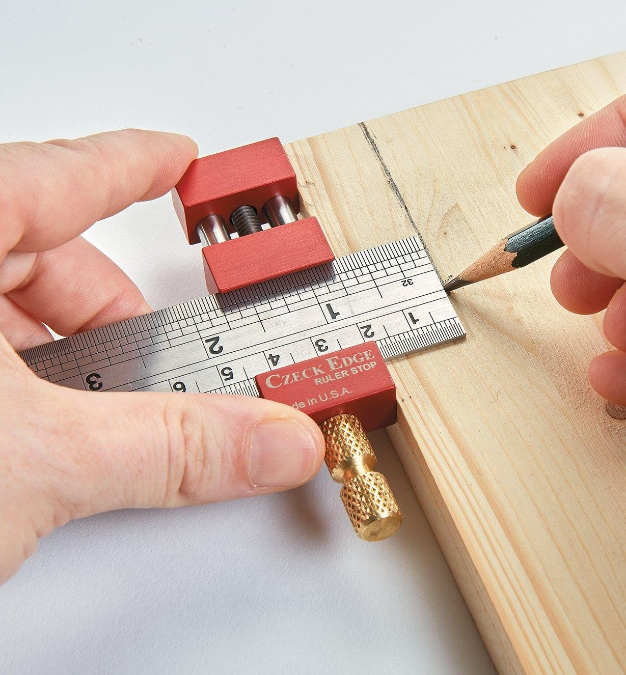 16N0105 - Czeck Edge Ruler Stop