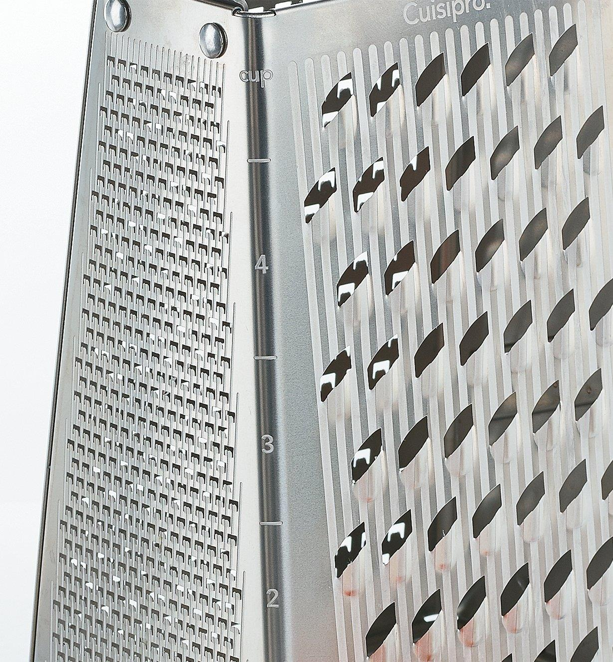 Close-up of volume marking on the corner of the grater