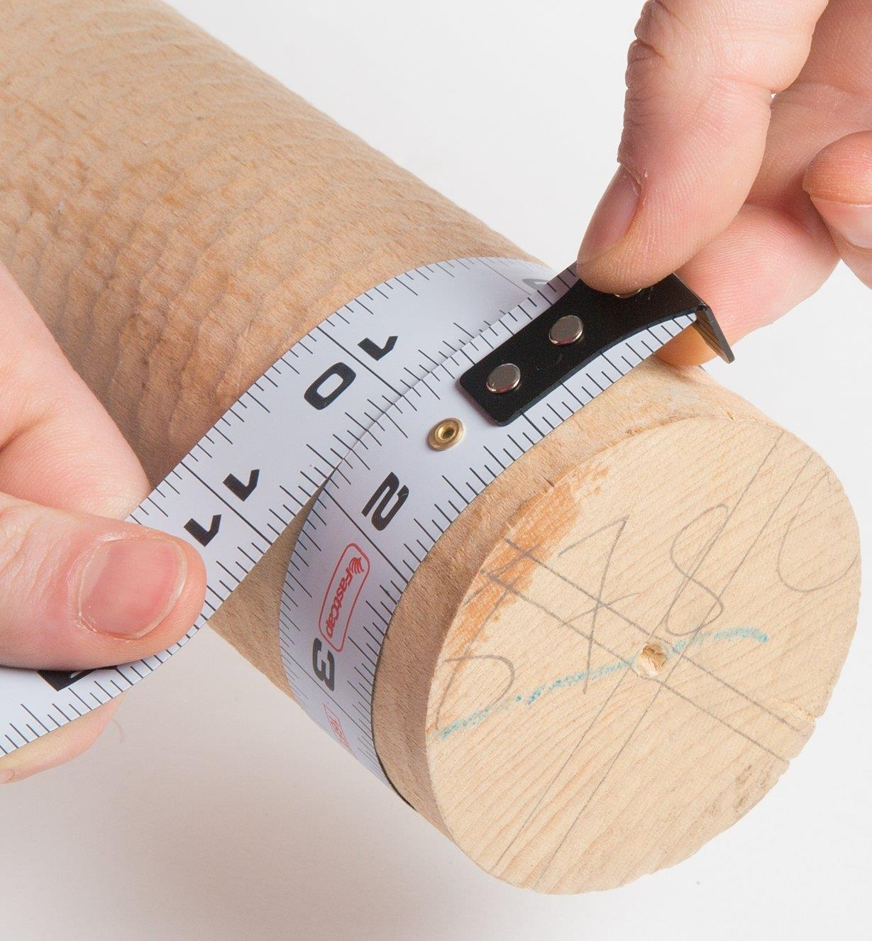 Measuring the circumference of a dowel