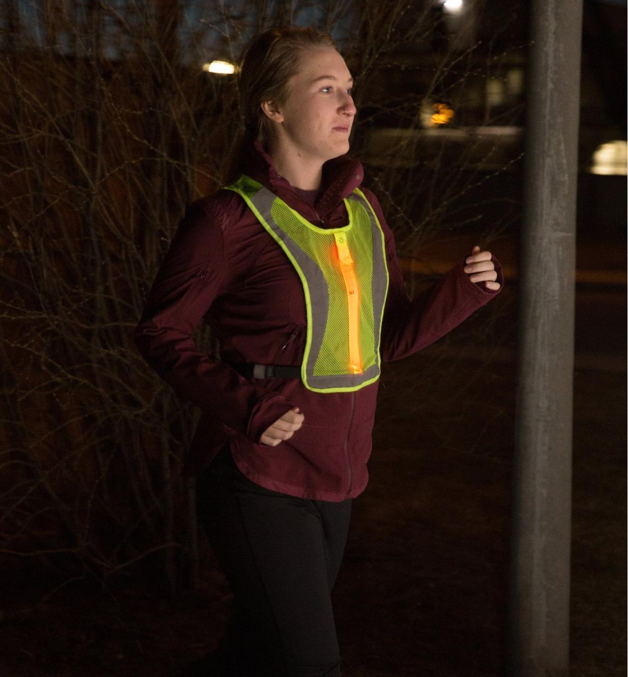 68K0901 - High-Visibility LED Vest, Sm/Med