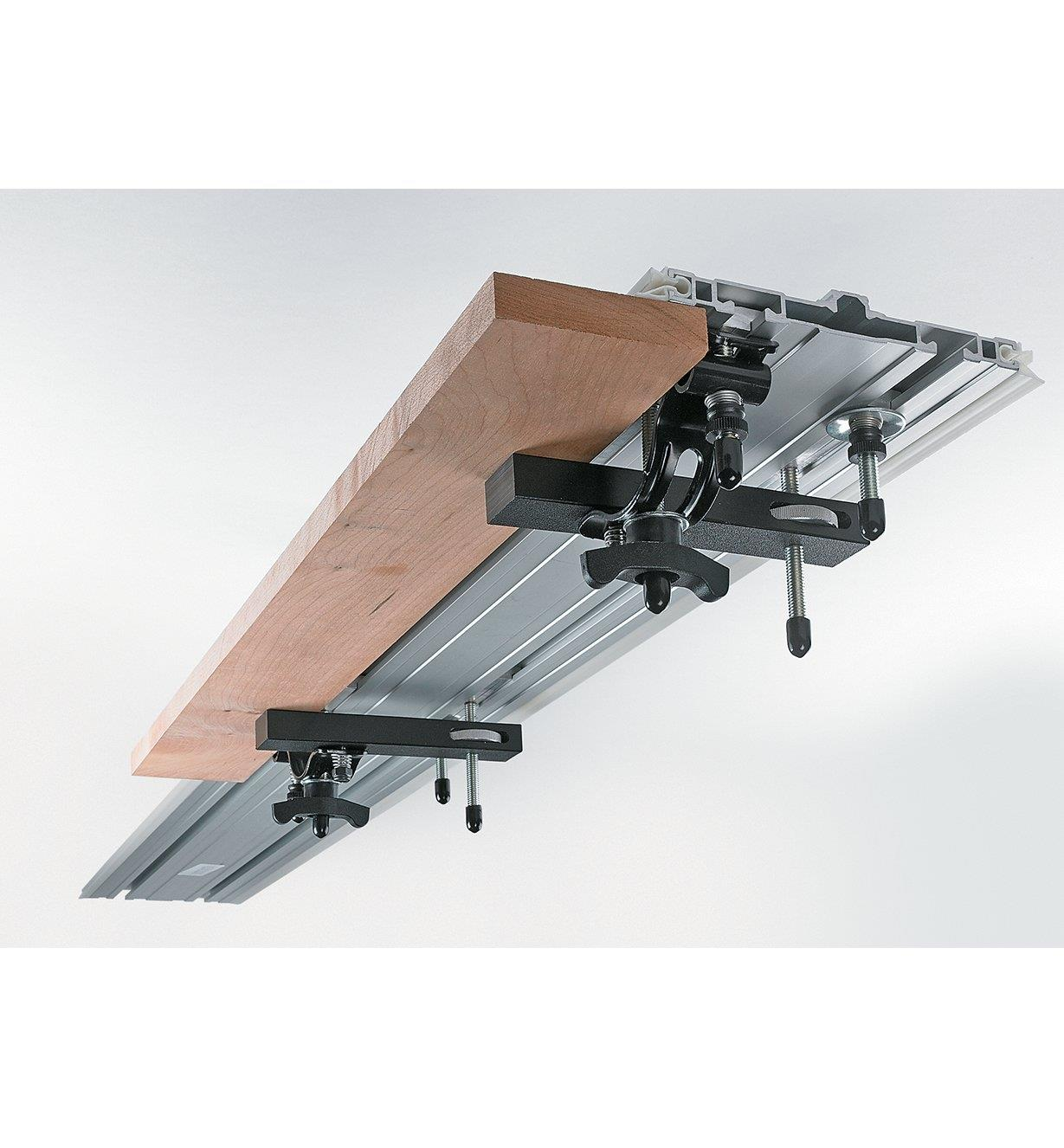 86N5230 - Elevated Clamps, pr.