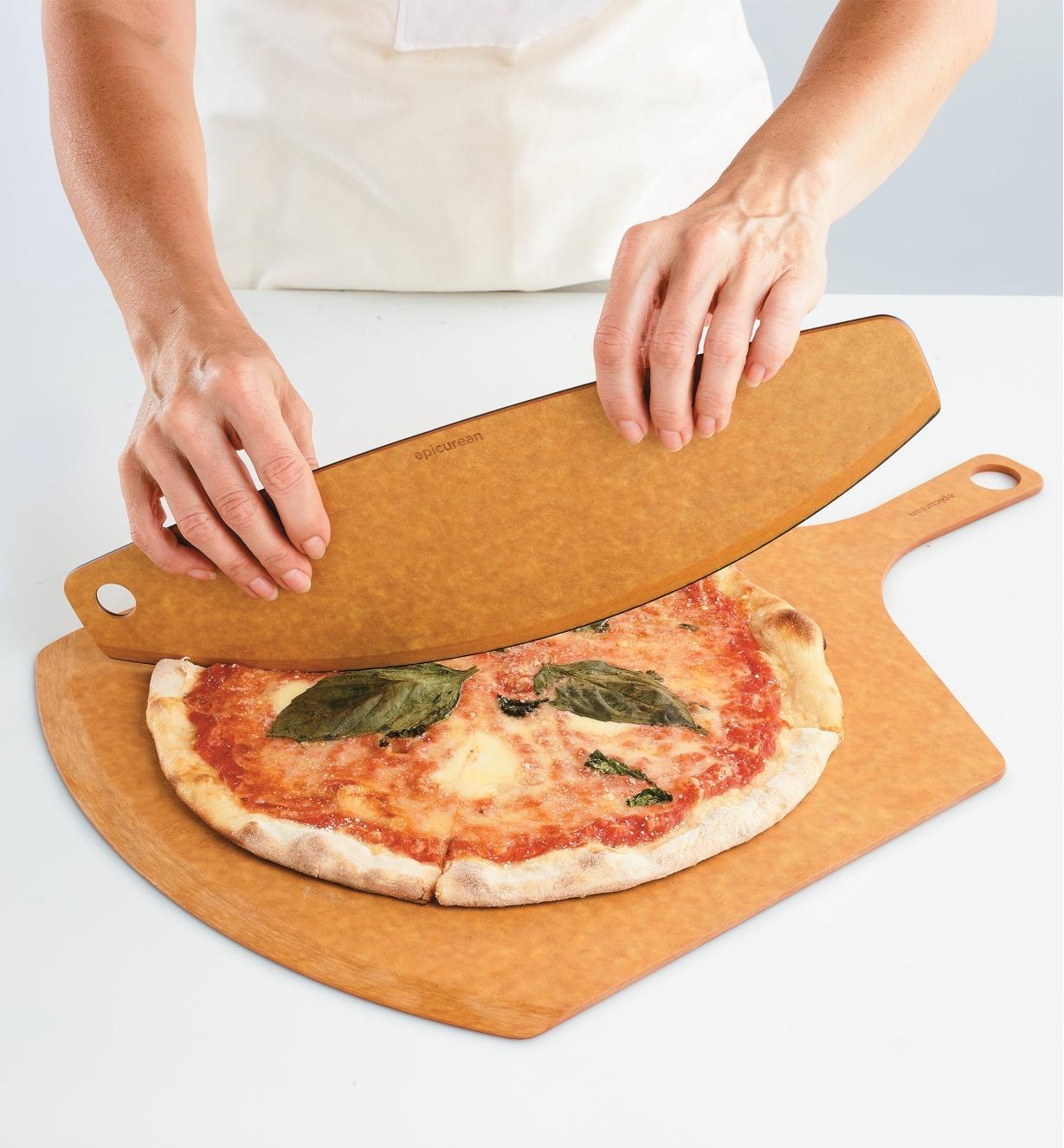 EV242 - Pizza Peel & Rocker Set