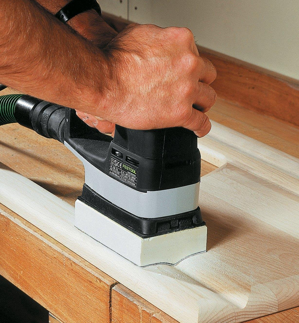Sanding a profile with the DUPLEX LS 130 EQ Linear Sander