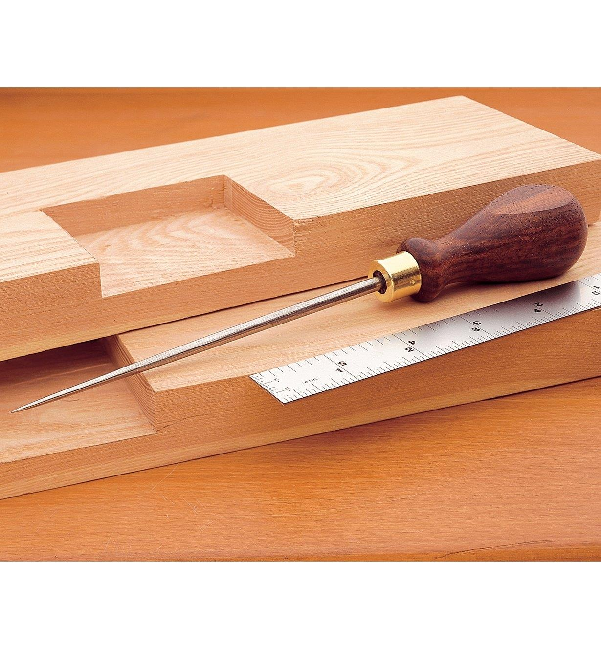 50K0601 - Lee Valley Scratch Awl