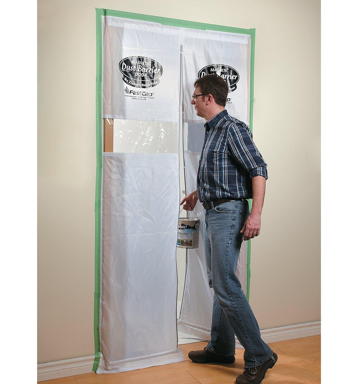 97K2006 - Magnetic Dust-Barrier Door