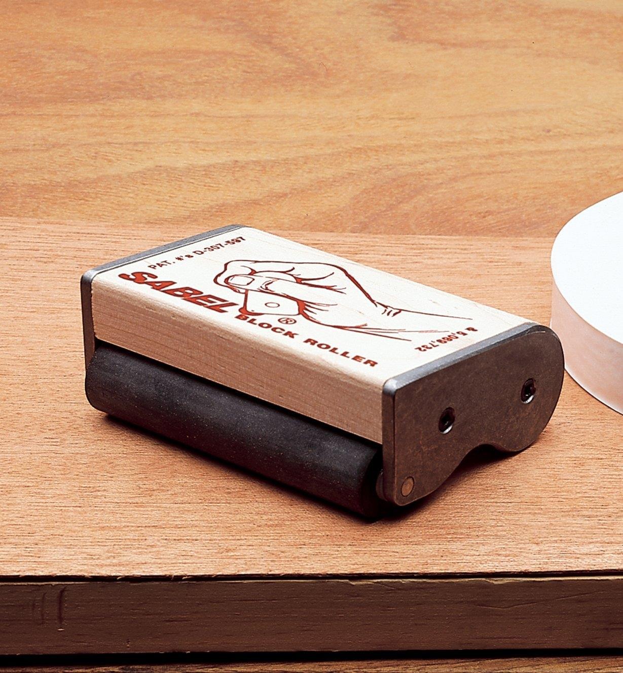 99K5501 - Rouleau de caoutchouc pour placage