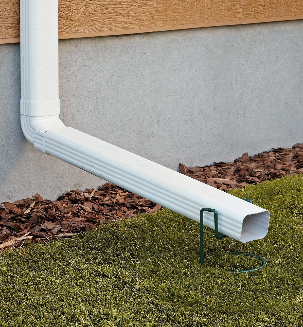 Lee Valley Downspout Support holding up a downspout