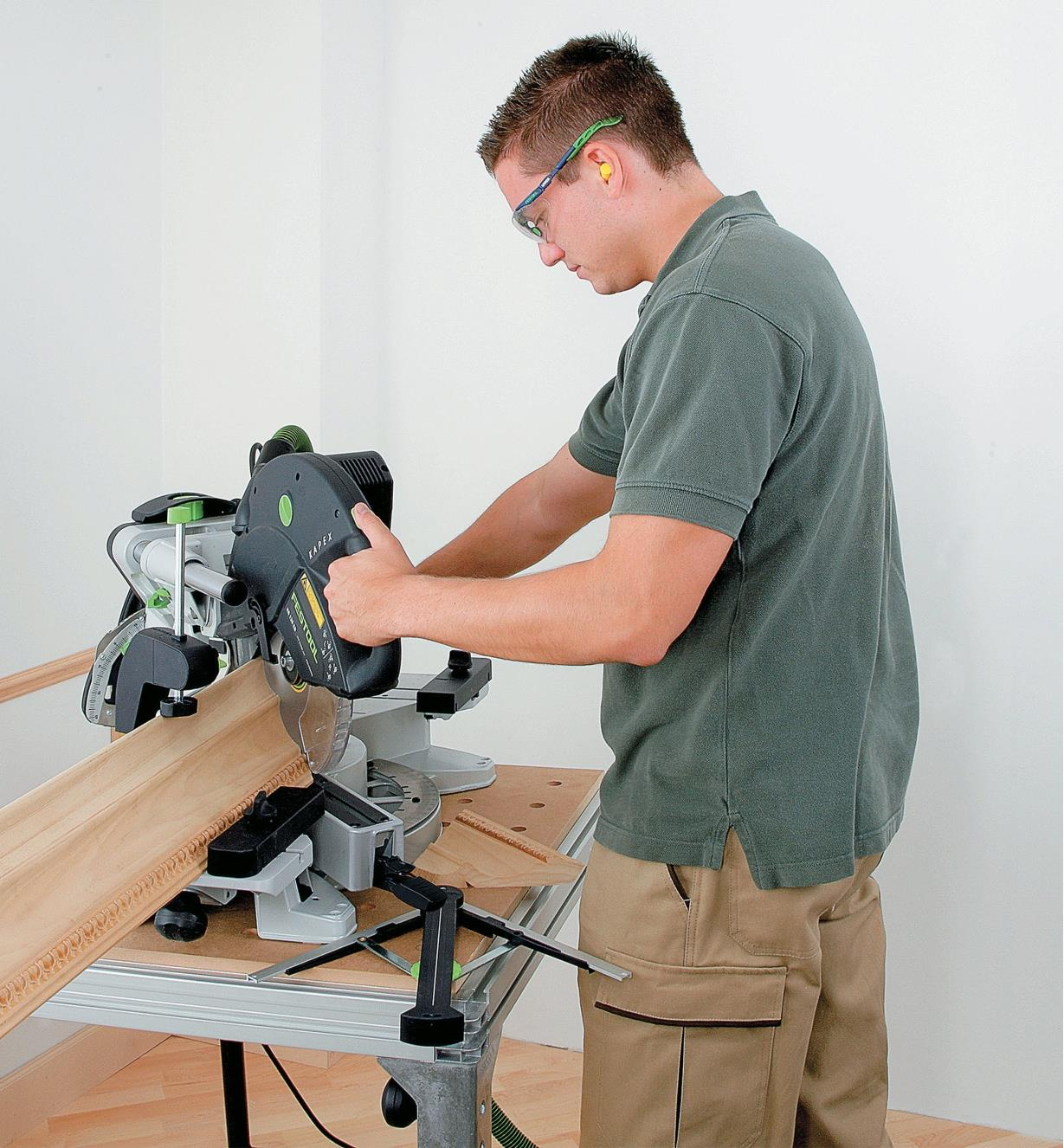 Cutting molding with the Kapex KS 120 EB Sliding Compound Miter Saw