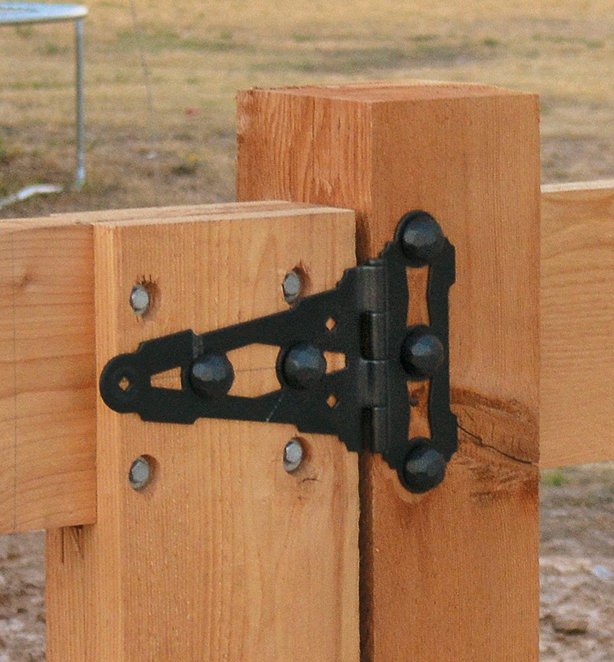 Example of Ozco Tee Hinge mounted on a gate