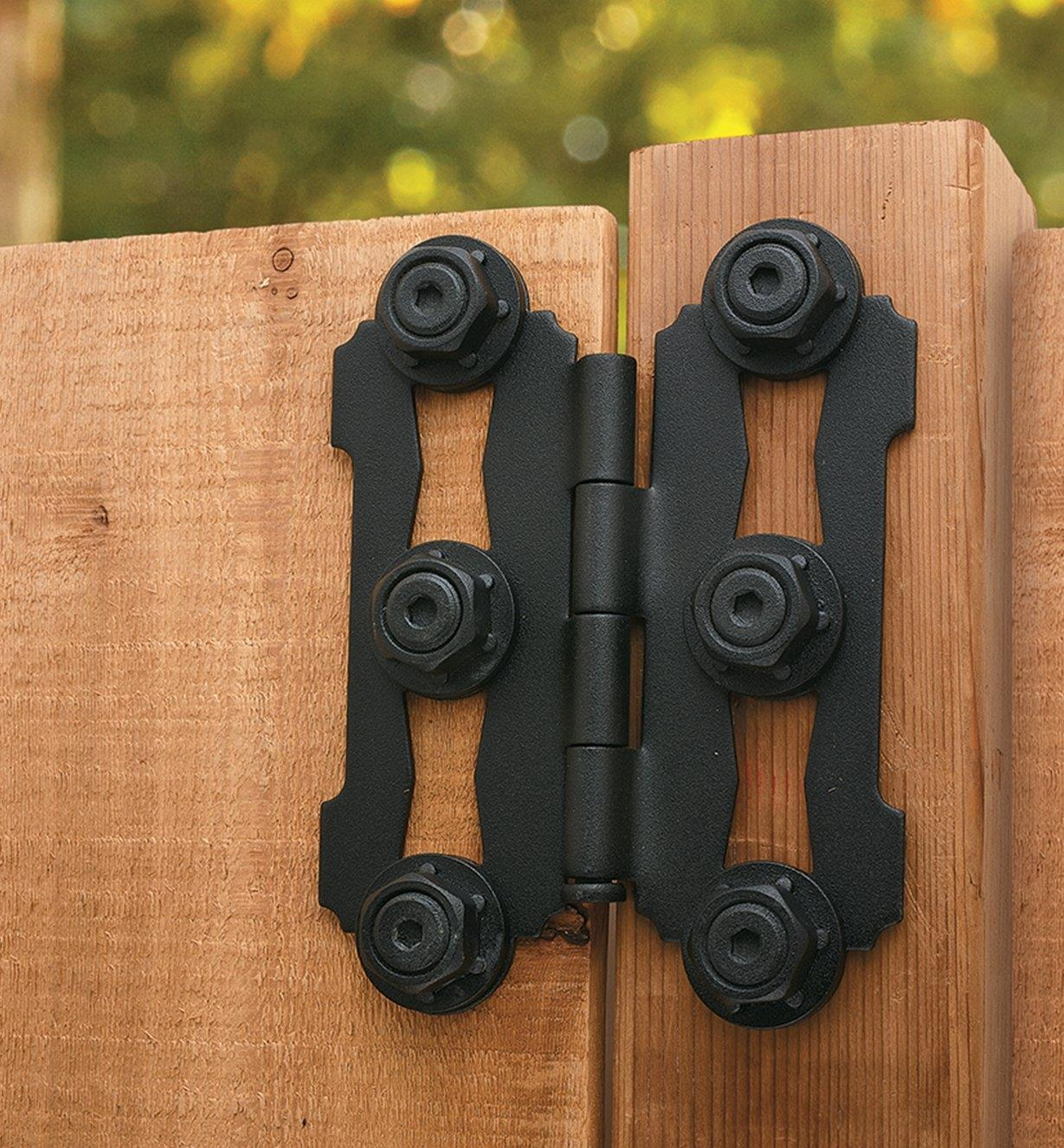 Example of Ozco Butterfly Hinge mounted on a gate