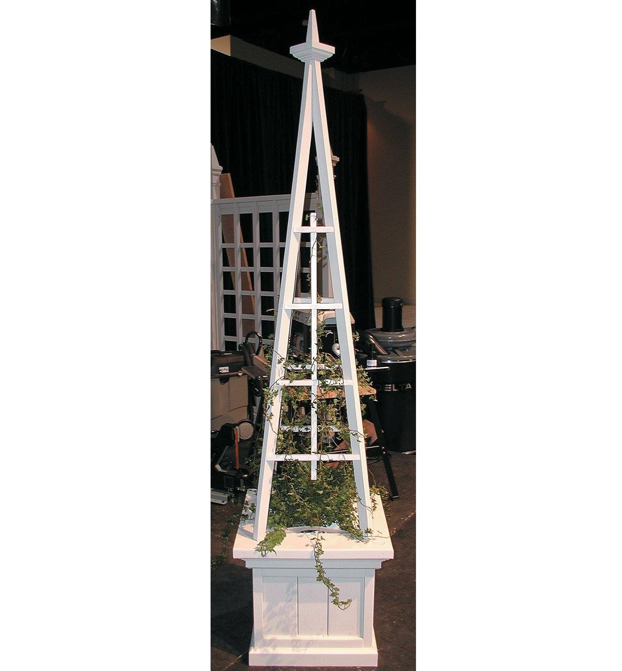 11L0404 - Obelisk Planter Plan